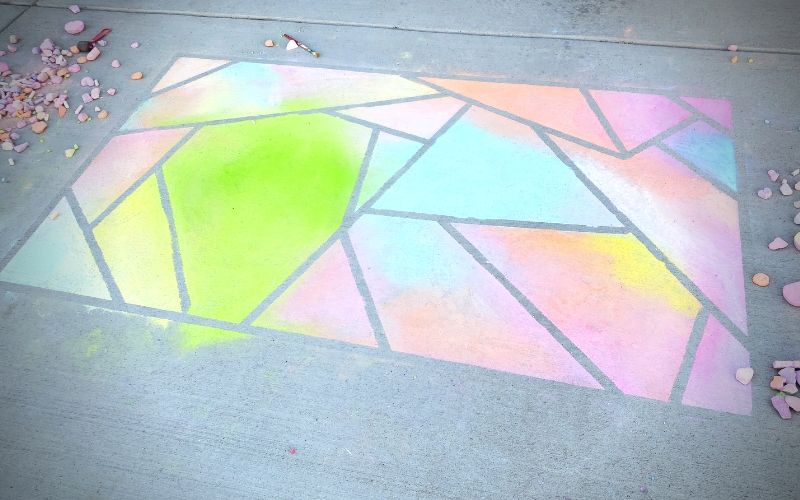 How To Make A Sidewalk Chalk Mosaic | Frugal Fun Mom